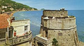 Torre della Coscia - >Alassio