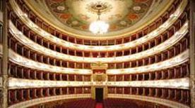 Teatro Comunale Luciano Pavarotti - >Modena