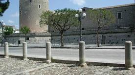 Castello del Balzo - >Venosa