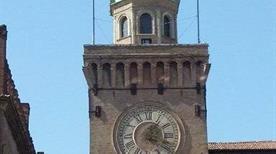 Torre Accursi (dell'Orologio) - >Bologna