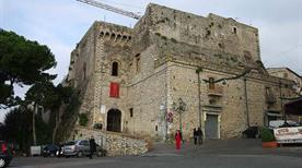 Castello Caetani di Traetto o Baronale - >Minturno