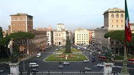 Piazza Venezia - >Rome