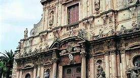Basilica di S. Sebastiano - >Acireale