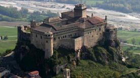 Castello di Gropparello - >Carpaneto Piacentino