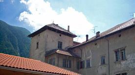 Castello dei Pezzen - >Croviana