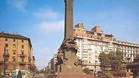 Monumento delle Cinque Giornate - >Milano