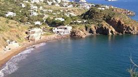 Spiaggia di Calcara - >Panarea