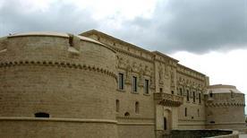 Castello Corigliano - >Corigliano d'Otranto