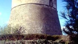 Torre Angioina - >Atella