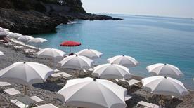 Spiaggia dei balzi rossi - >Ventimiglia