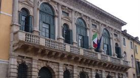 Palazzo Bevilaqua - >Verona