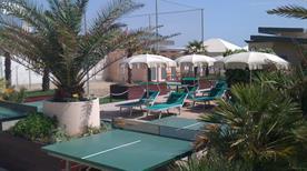 Bagno Le Palme Beach - >Cervia