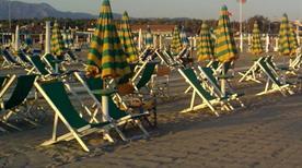 Bagno Marcella - >Viareggio