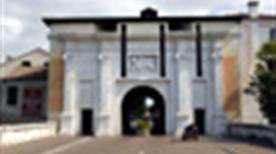 Porta Santi Quaranta - >Treviso