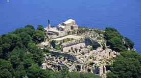Villa Jovis di Tiberio - >Capri