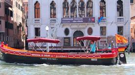 Brussa Is Boat Sas - >Venice