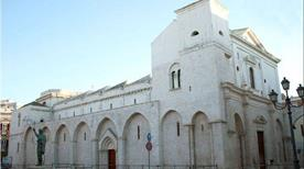 Basilica del Santo Sepolcro - >Barletta