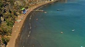 Spiaggia della chiaia - >Procida