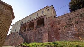 Castello di Pocapaglia - >Pocapaglia