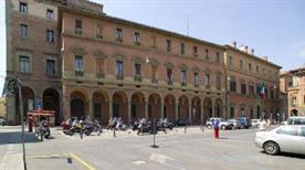 Palazzo Caprara - >Bologna