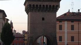 Porta Castiglione - >Bologna