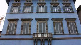 Palazzo Blu - >Pisa