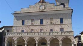 Palazzo Comunale - >Montefalco