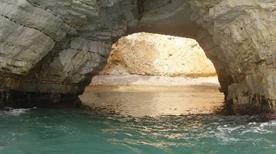 Grotta Sfondata Grande - >Vieste