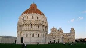 Battistero - >Pisa