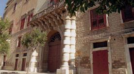 Palazzo Ducale Carafa - >Andria
