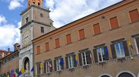 Palazzo Comunale - >Modena