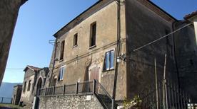 Castello Castelpetroso trasformato - >Castelpetroso