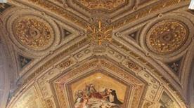 Musei Vaticani: Gallerie dei Candelabri, Arazzi e Carte Geografiche - >Rome