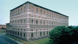 Palazzo Farnese - >Piacenza