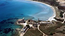 Spiaggia della Tonnara nell'Oasi di Vendicari - >Noto