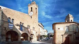 Torre del Palazzo Comunale - >Monterubbiano
