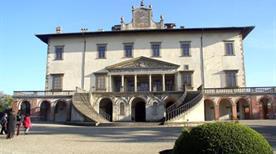 Villa Medicea - >Poggio a Caiano