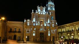 Basilica Santi Pietro e Paolo - >Acireale