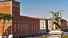 Palazzo Venezia - >Rome
