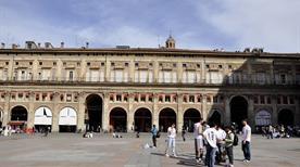 Palazzo dei Banchi - >Bologna