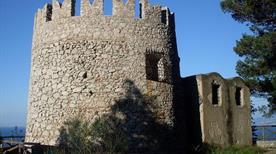 Torre Damecuta - >Anacapri
