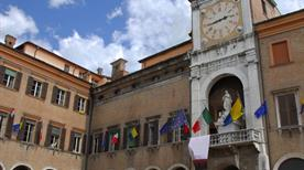 Piazza Grande - >Modena