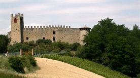 Castello Magnano - >Carpaneto Piacentino