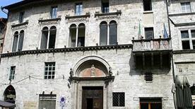 Casa del Capitano del Popolo - >Ancona