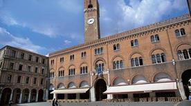 Piazza dei Signori - >Treviso