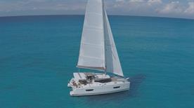 Dream Yacht Charter - >Naples