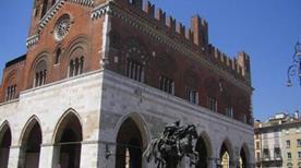 Palazzo del Comune - >Piacenza