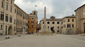Piazza Federico II - >Jesi