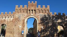 Porta Tufi - >Siena