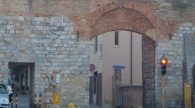 Porta Laterina - >Siena